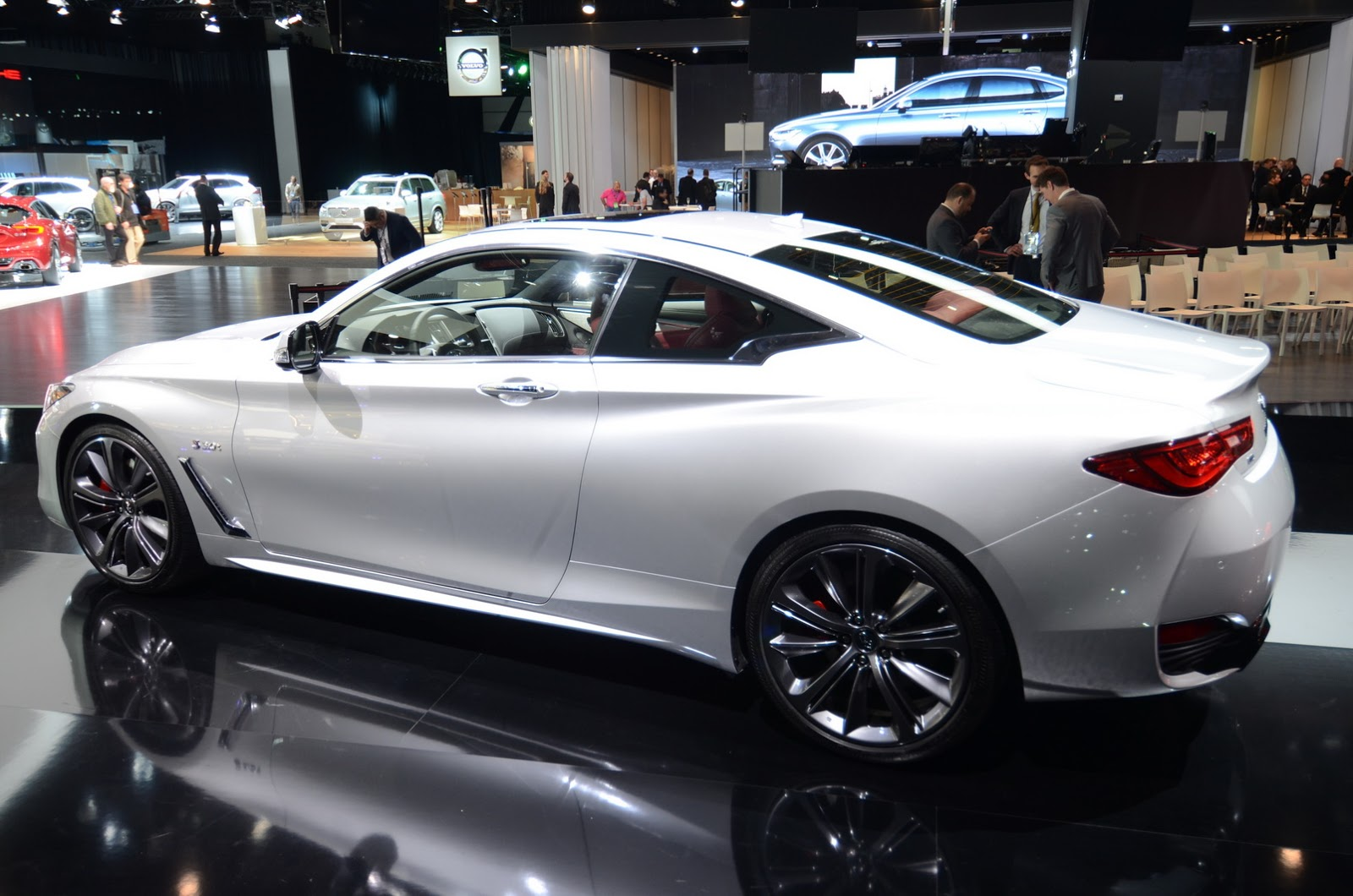 infiniti-q60-coupe-detroit-livepics-10